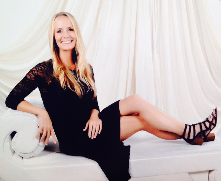 Mila from Westmont | Woman | 20 years old