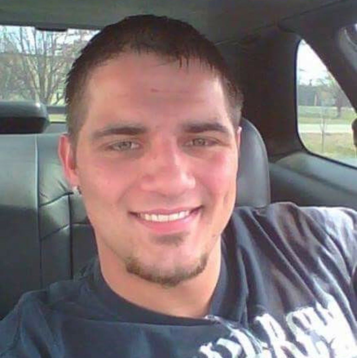 Logan from Greentree | Man | 21 years old