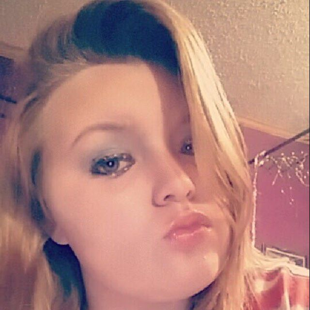 Hannah from Knoxville   Woman   32 years old