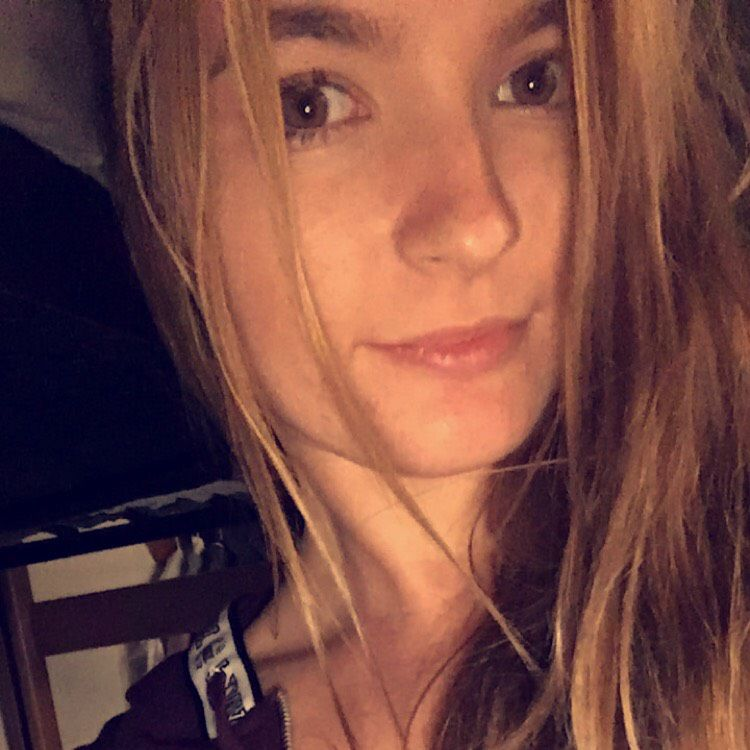 Emily from Acworth | Woman | 21 years old