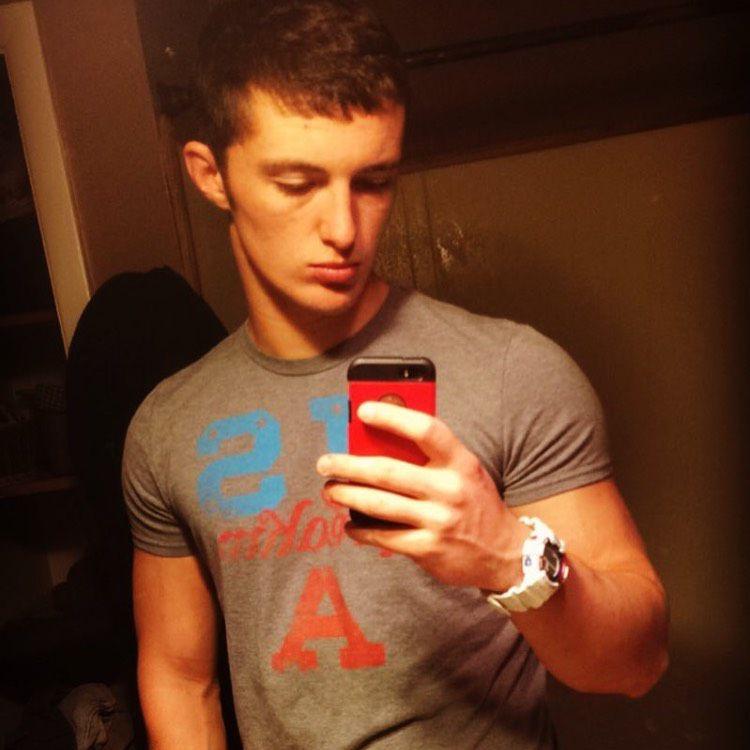 Wyatt from Arecibo   Man   25 years old
