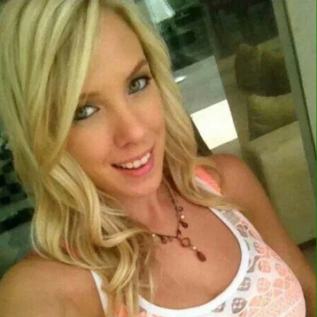 Zoe from Sayreville | Woman | 22 years old