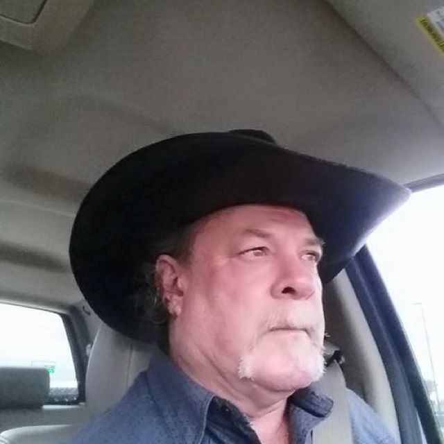Oliver from Indianola | Man | 31 years old