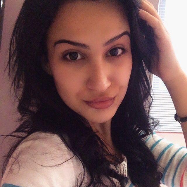 Eliana from Lebanon | Woman | 21 years old