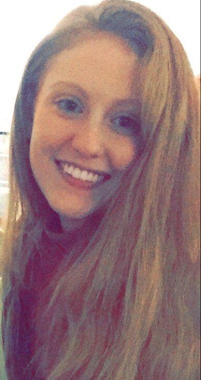 Scarlett from Bradley Gardens   Woman   21 years old