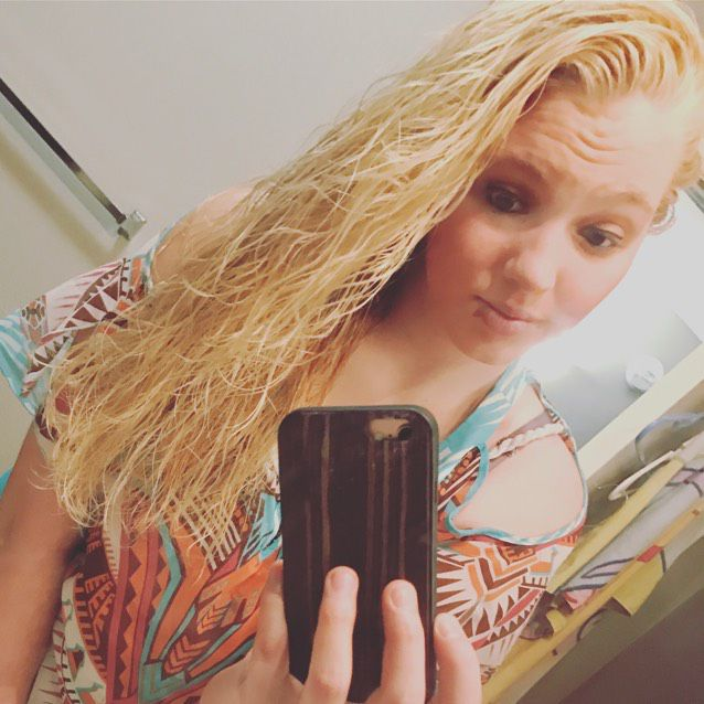 Elizabeth from Mesa | Woman | 23 years old