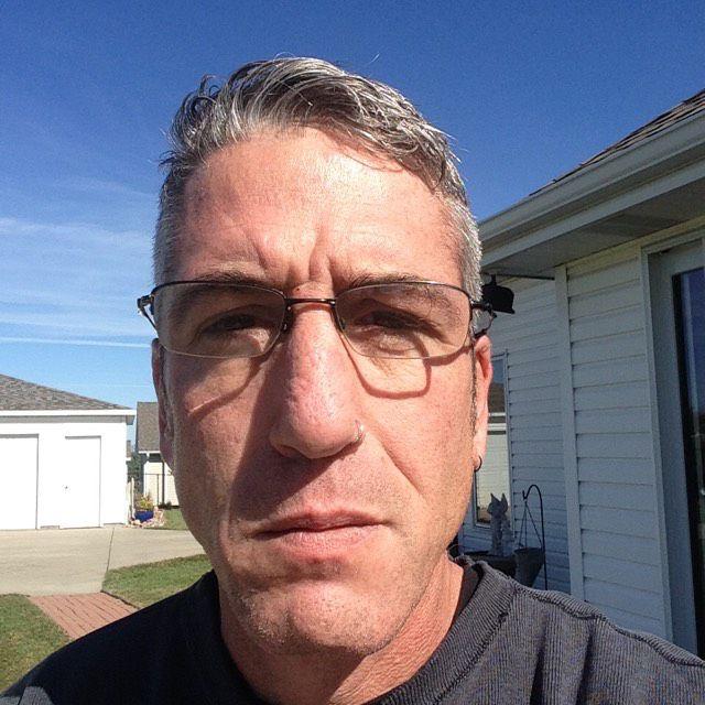 Jayden from Pella | Man | 29 years old