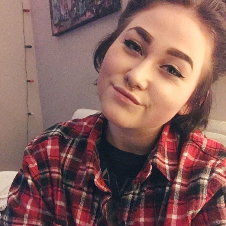 Ella from Batavia | Woman | 27 years old