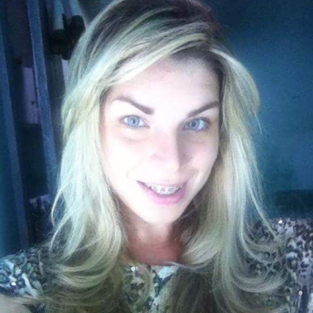 Layla from Glen Cove | Woman | 23 years old