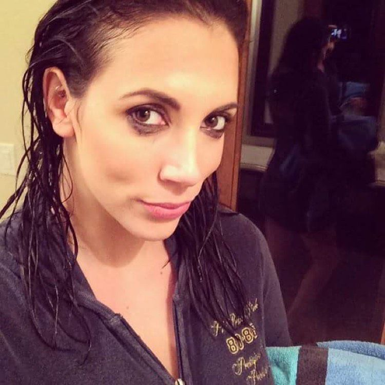 Mia from Niles | Woman | 39 years old