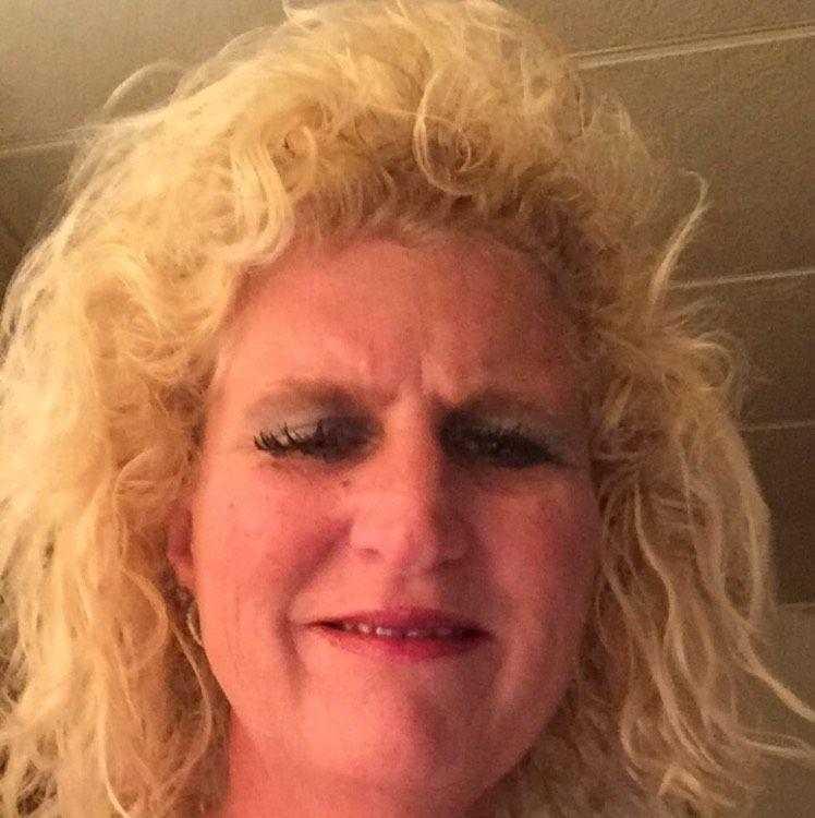 Kinsley from Beloit   Woman   48 years old