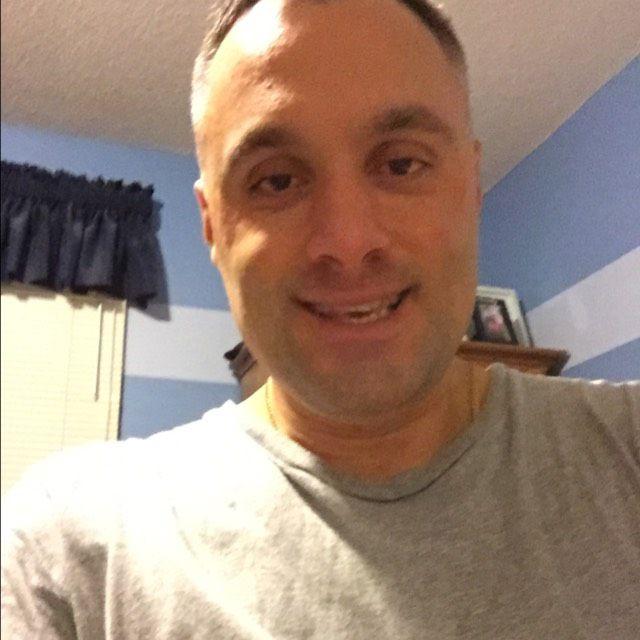 Wyatt from Dranesville   Man   38 years old