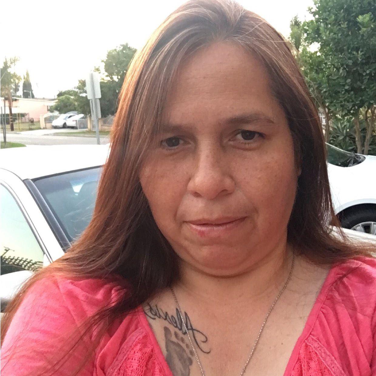 Elizabeth from Glen Burnie   Woman   34 years old