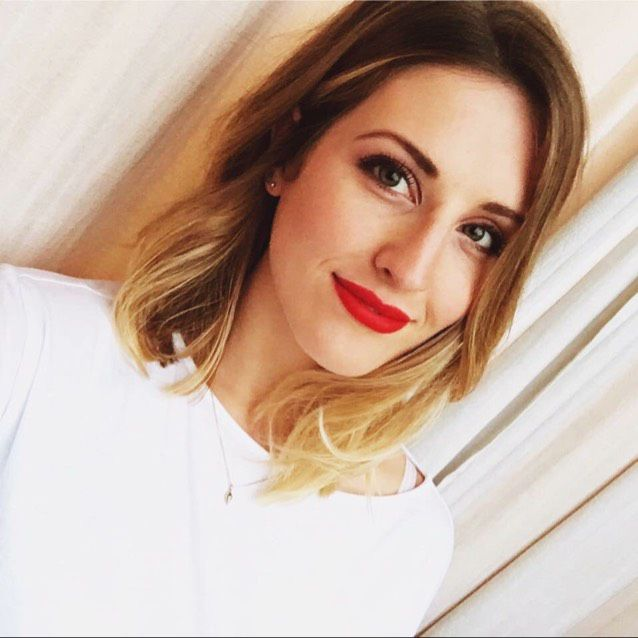 Mia from Shakopee | Woman | 23 years old