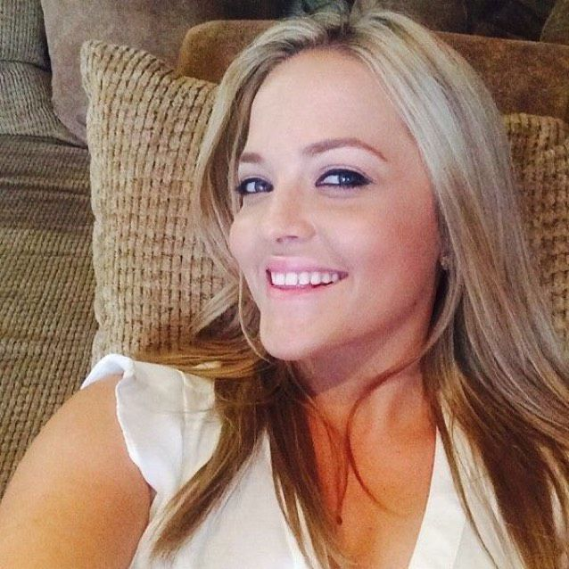Emma from Moreno Valley | Woman | 19 years old