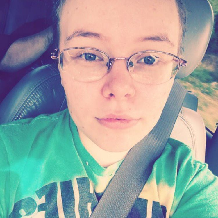 Layla from Bradley | Woman | 30 years old