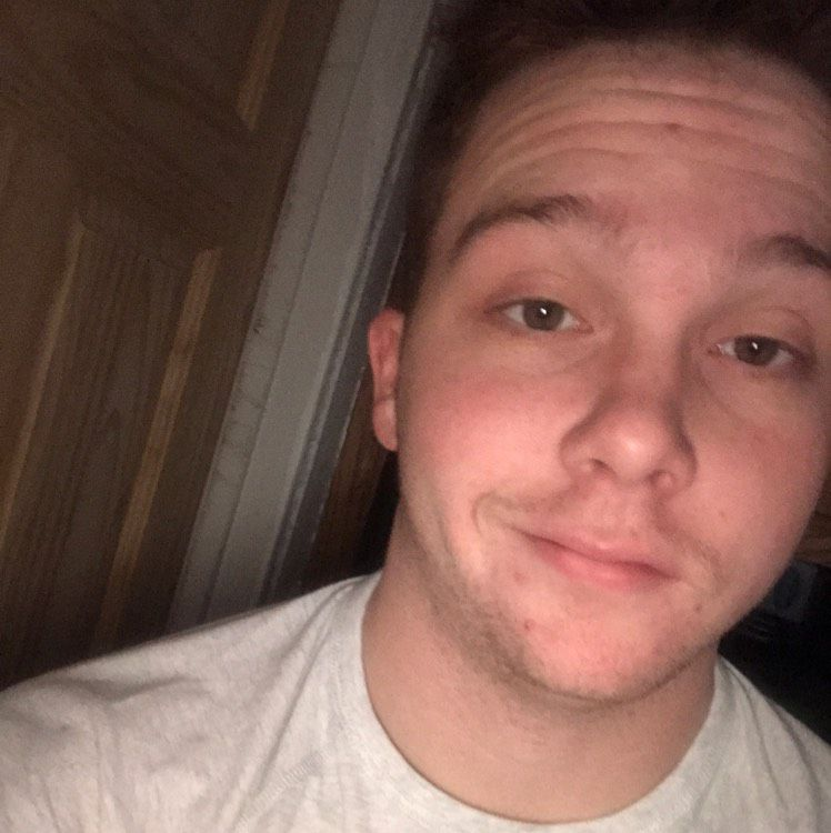 Daniel from Nashua | Man | 21 years old
