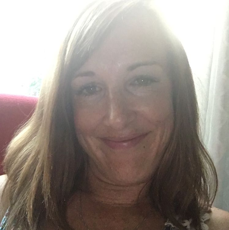 Elizabeth from Kettering | Woman | 27 years old