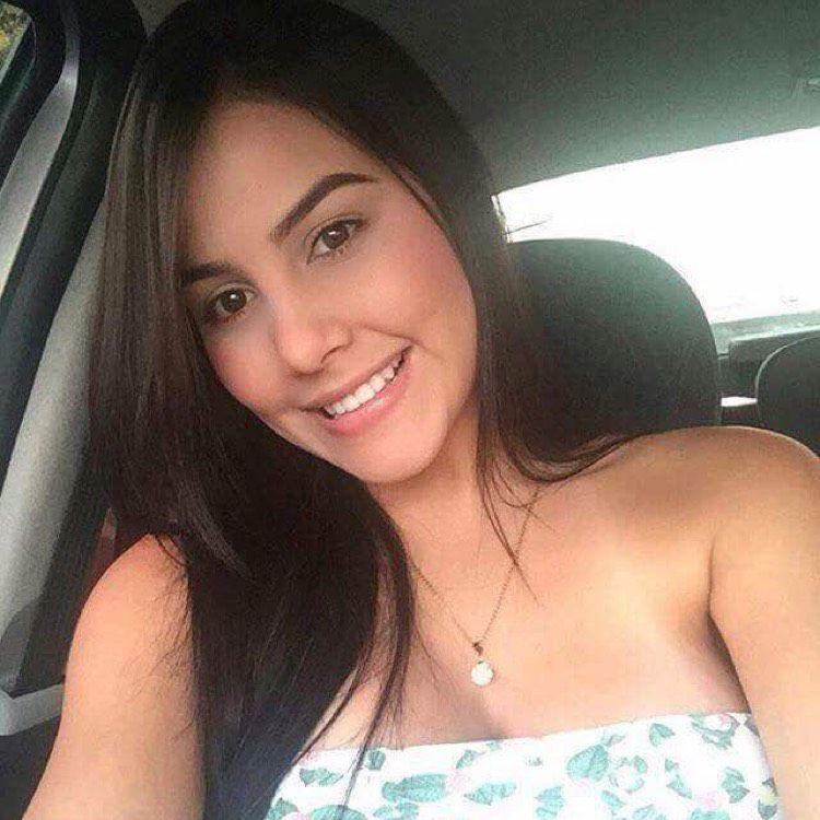 Camilla from Santa Maria | Woman | 32 years old
