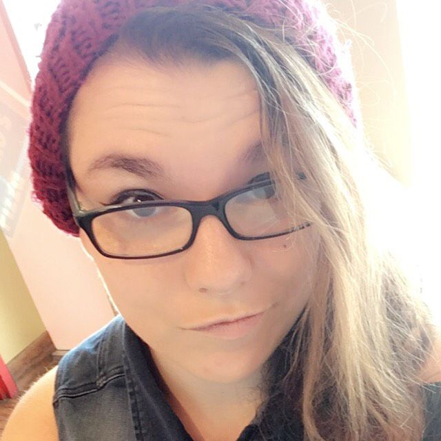 Elizabeth from Evansville | Woman | 27 years old
