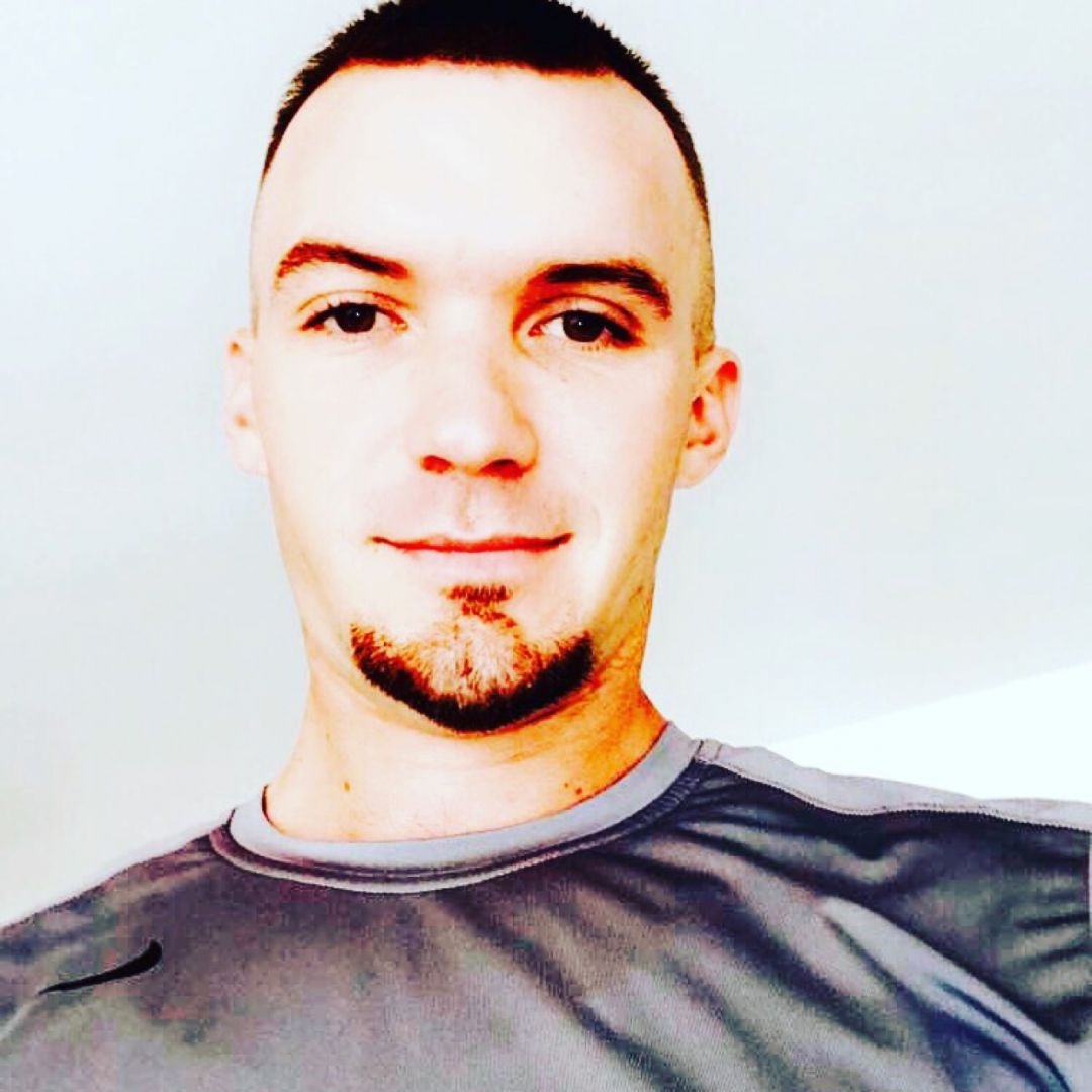 Henry from El Monte | Man | 23 years old