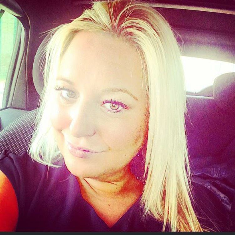 Elizabeth from Pomn Lakes | Woman | 34 years old