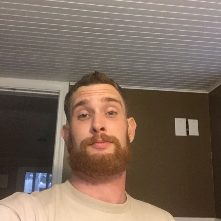 Ethan from Auburn Hills | Man | 24 years old