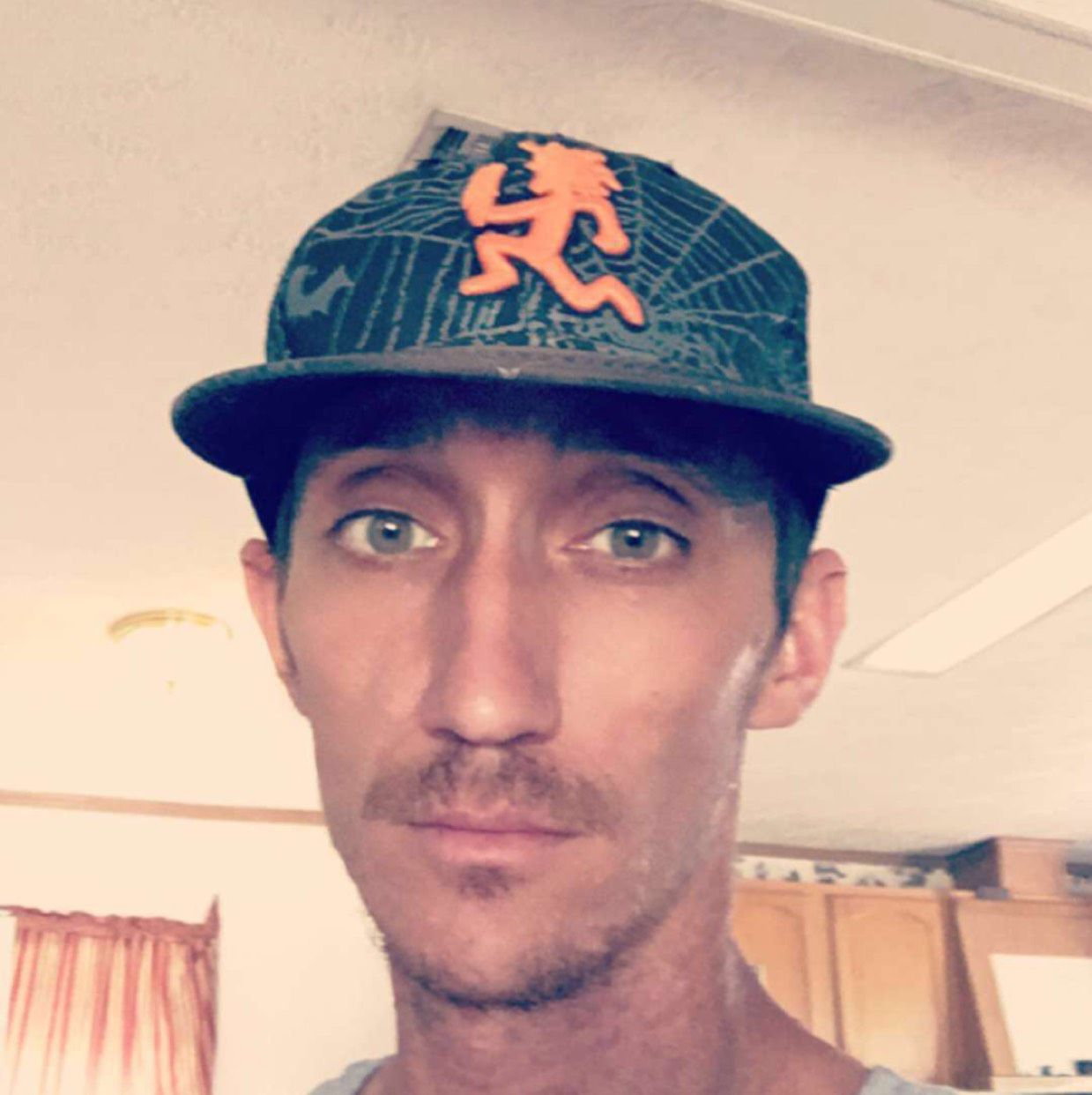 Levi from Saint Petersburg | Man | 24 years old