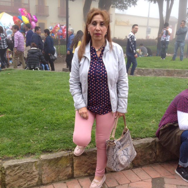 Mia from Thousand Oaks | Woman | 35 years old