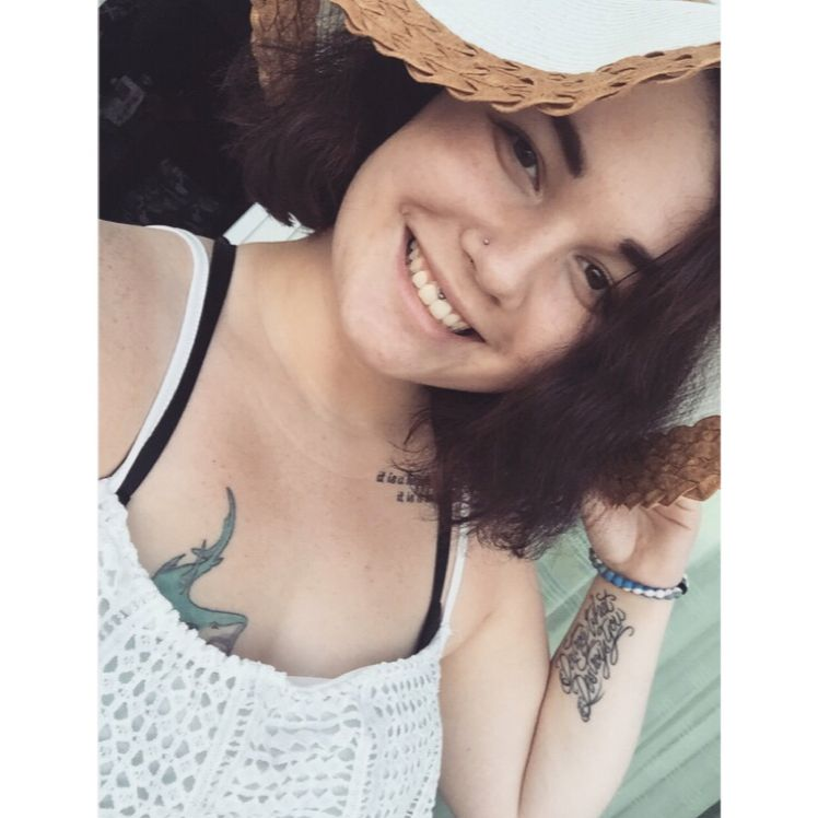 Elizabeth from Twinsburg | Woman | 24 years old