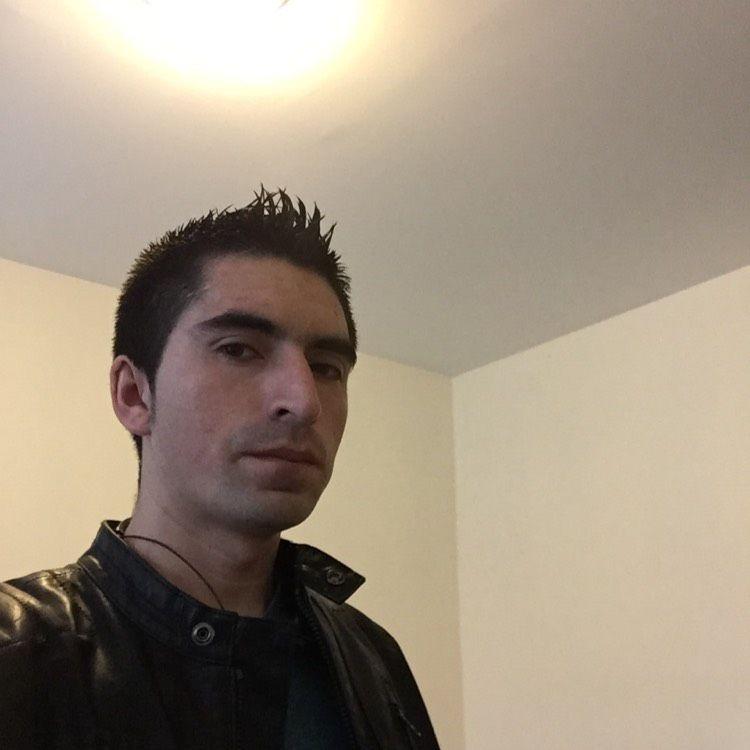 Daniel from Warren | Man | 39 years old