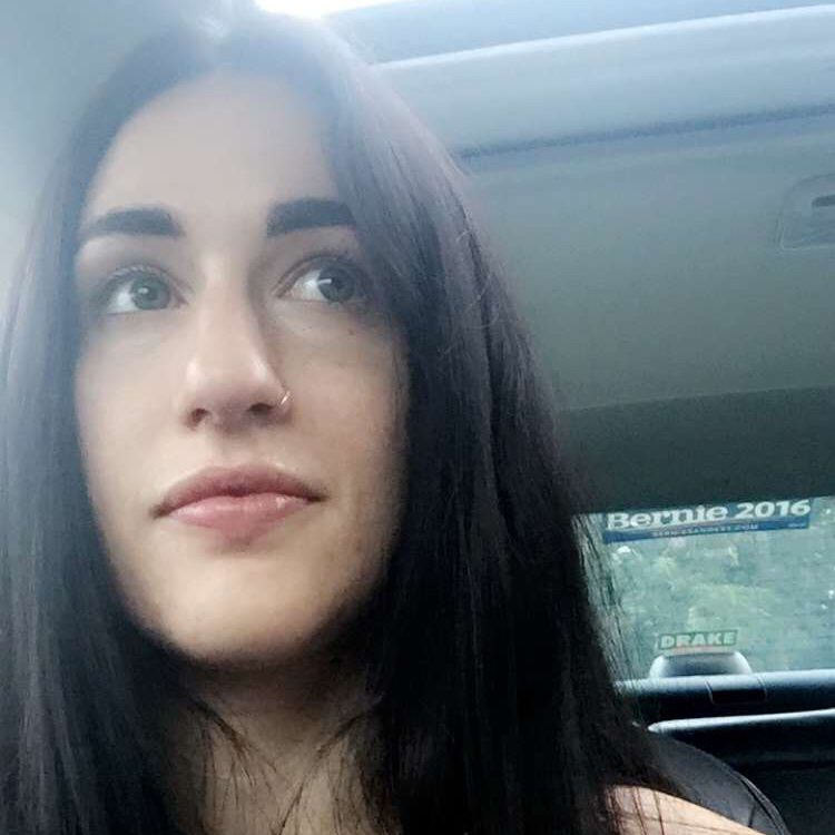 Arianna from Binghamton | Woman | 20 years old