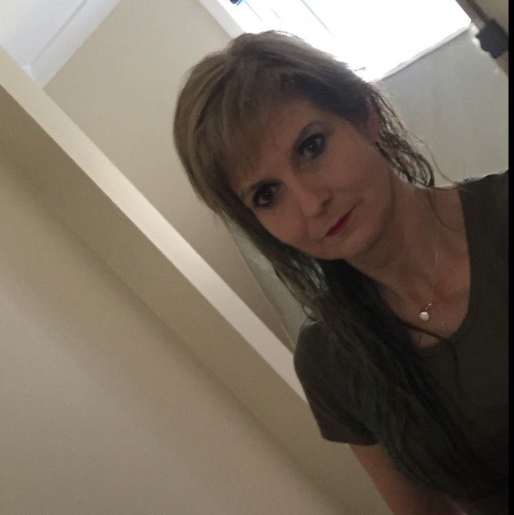 Charlotte from Mayfield Heights | Woman | 19 years old
