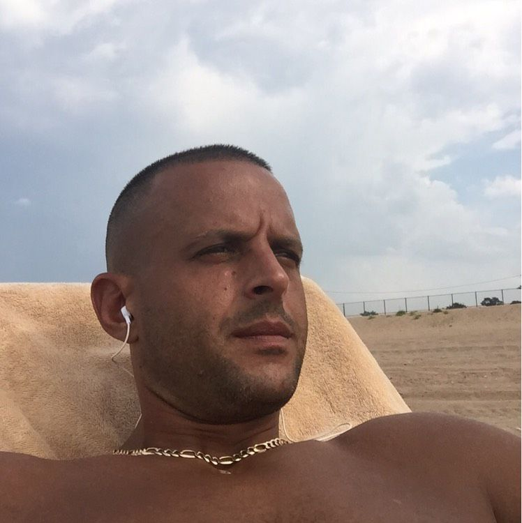 Cameron from Olivehurst   Man   35 years old