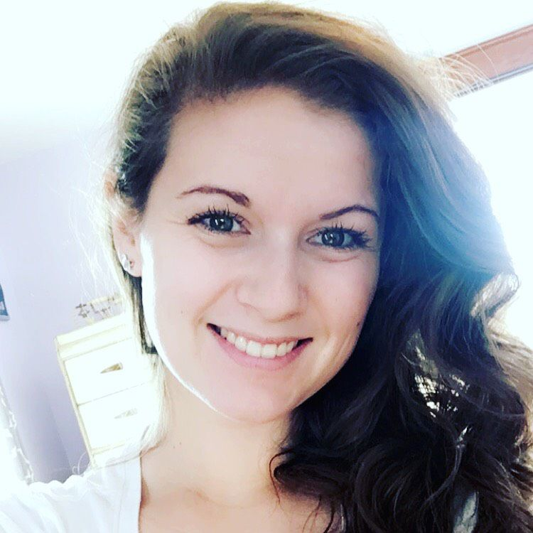Scarlett from Hillcrest Heights | Woman | 23 years old