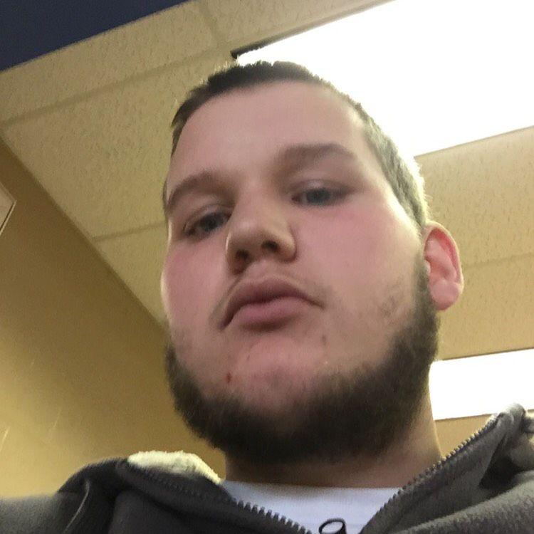 Liam from Kingsport | Man | 20 years old