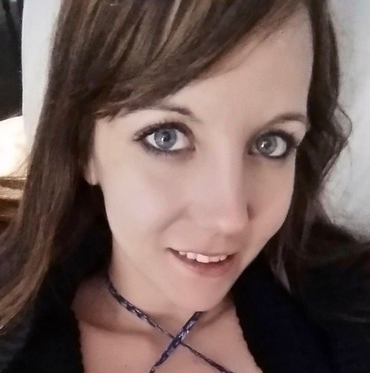 Elizabeth from Olympia Heights   Woman   32 years old