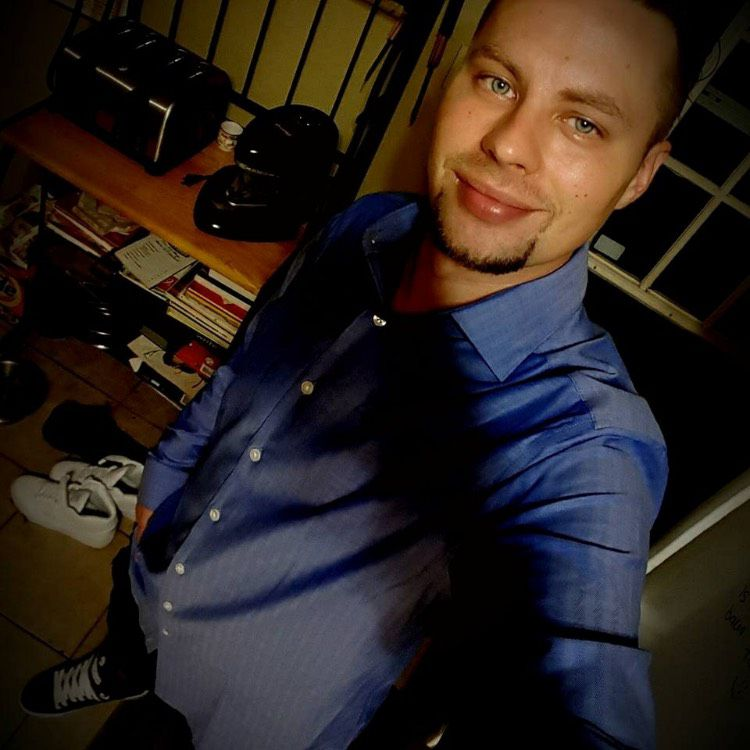 Isaac from Uniondale   Man   26 years old