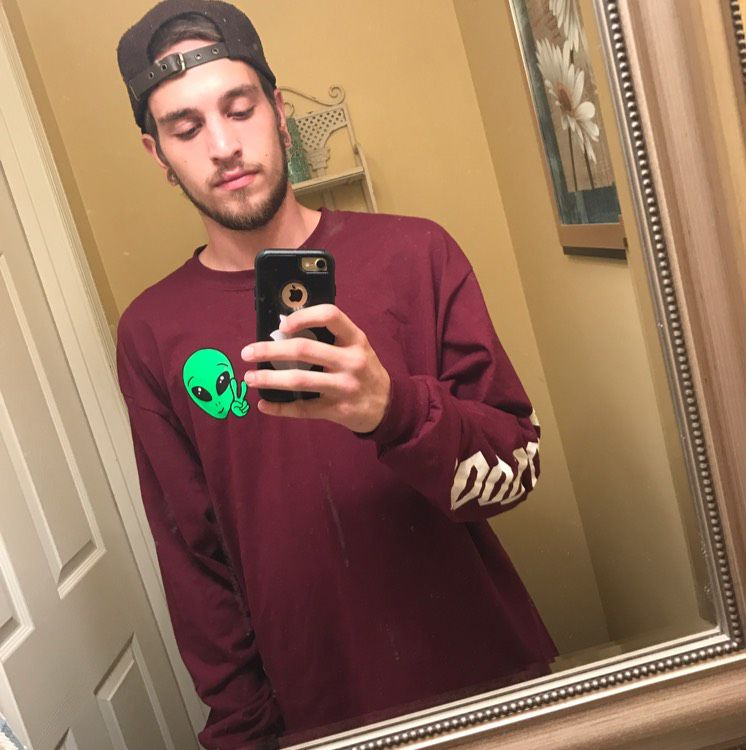 Owen from Huntington | Man | 19 years old