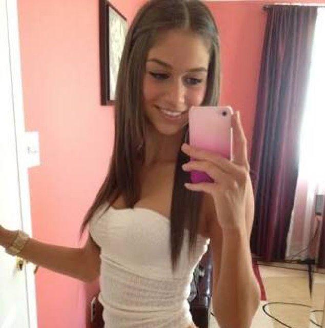 Chloe from San Bernardino | Woman | 20 years old