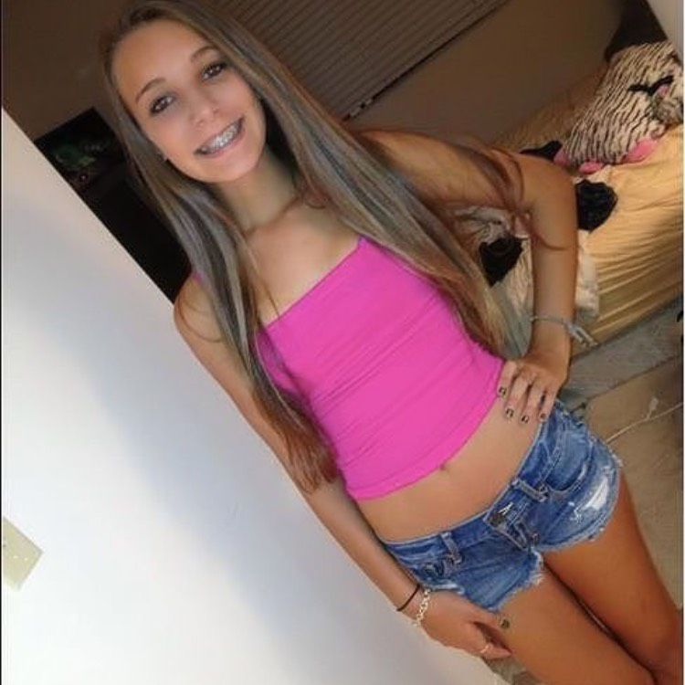 Nora from Hastings   Woman   24 years old