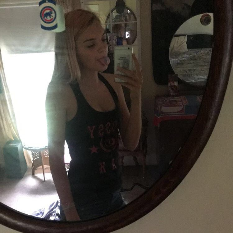 Aria from Louisville | Woman | 19 years old
