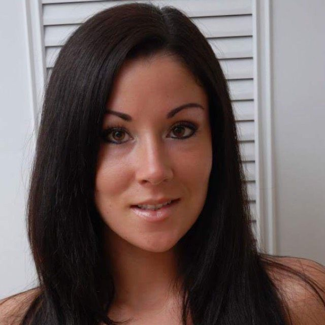 Olivia from Crest Hill | Woman | 32 years old