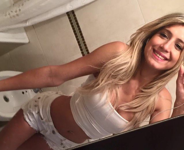Chloe from Elwood | Woman | 33 years old