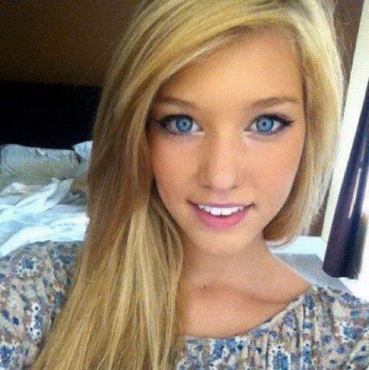 Eliana from Moorestown-Lenola | Woman | 23 years old