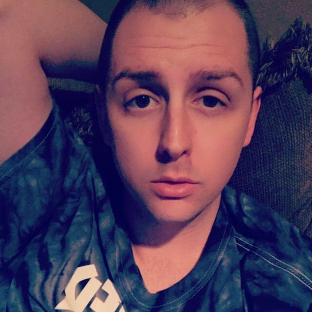 Daniel from Chico | Man | 21 years old