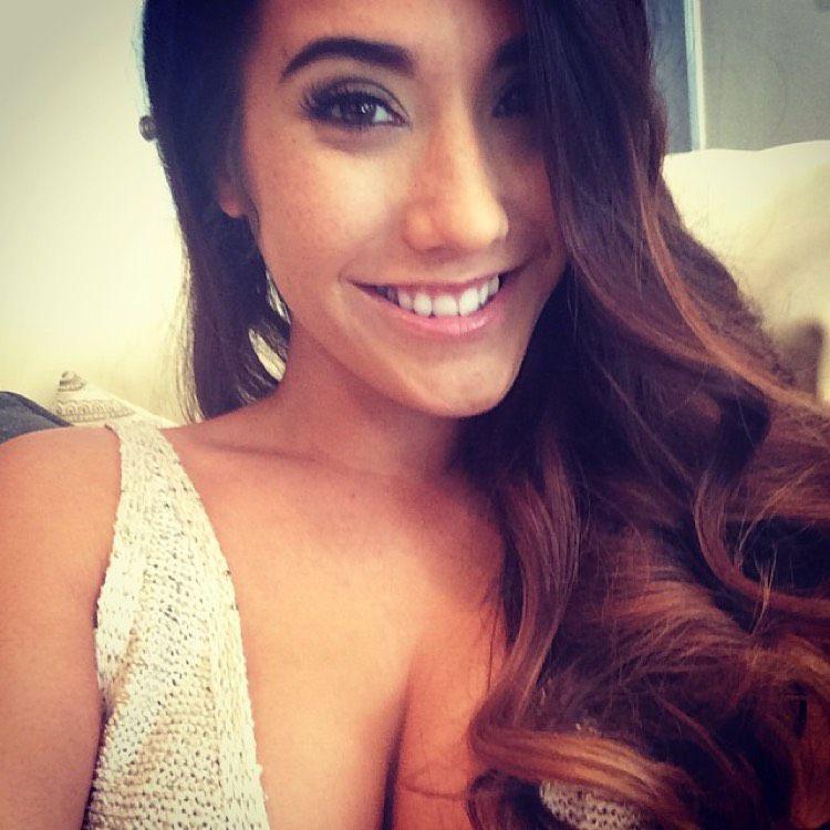 Ella from Honolulu | Woman | 32 years old